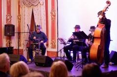 Cafe Jazz Trio w kwartecie - Summertime
