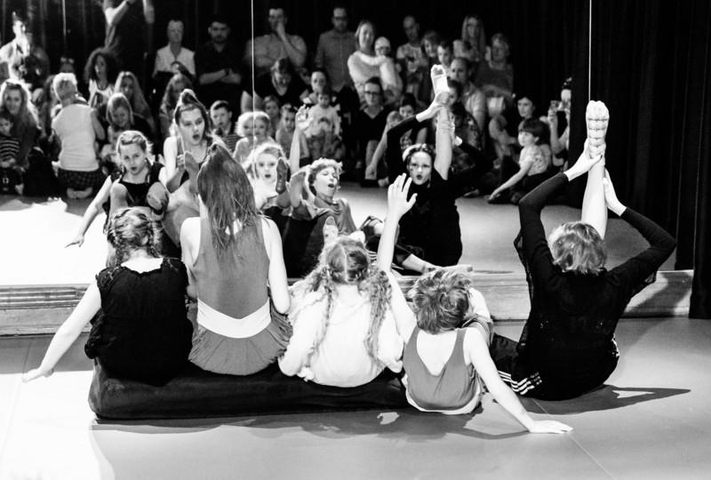 21.04.2018 Szczecin 13 Muz Historia paczki przyjaciół i ich spotkania z Kołczam Was - przybyszem z innej planety mówiącym językiem tańca.  Fot. Robert Stachnik